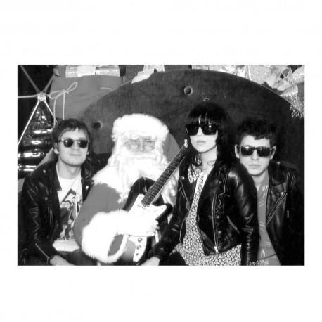 CROCODILES & DUM DUM GIRLS : Merry Xmas, Baby