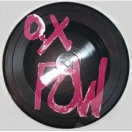 O.X POW : Esperando En La Calle