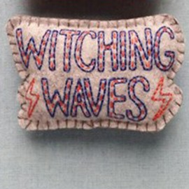 FEUTRINE BADGE : Witching Waves