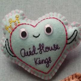 FEUTRINE BADGE : Acid House Kings