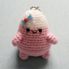 FEUTRINE KEYCHAIN : Tweenie Girl amigurumi Light Pink